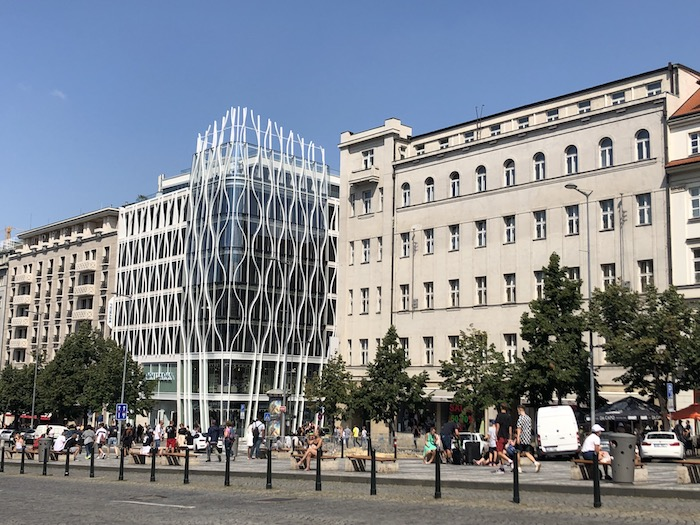 V nové budově Flow Building otevřel v červnu svou první pobočku na českém trhu řetězec Primark, foto: MediaGuru.