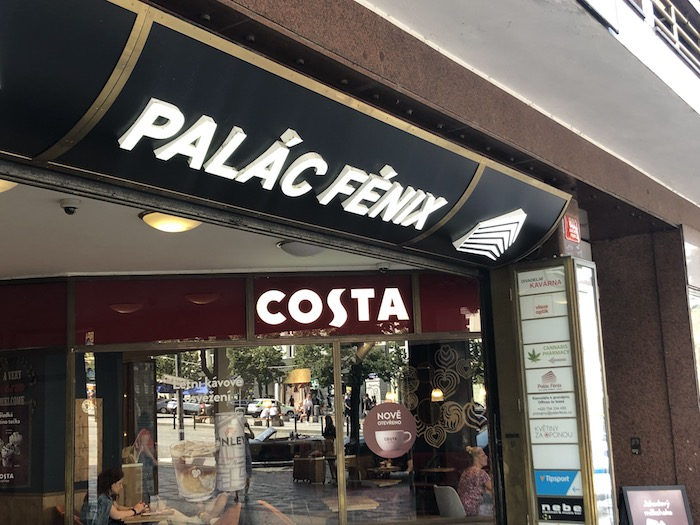 Letos v květnu otevřel řetězec Costa Coffee novou kavárnu v Paláci Fénix, foto: MediaGuru.