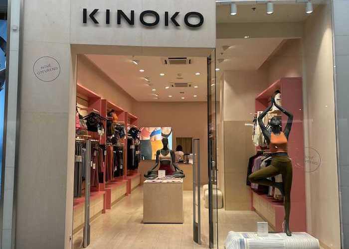 Na rozdíl od prodejny na Praze 7 chodí do OC Westfield Chodov jiný druh zákazníků, zdroj: Kinoko