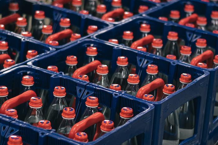 Vratné skleněné lahve bude možné zakoupit v dělitelné přepravce, zdroj: Mattoni 1873.