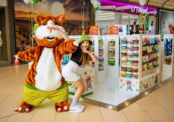 Pokud je to možné, otevírají Dedoles pop-upy slavnostně spolu s maskoty, hudbou a atrakcemi, zdroj: Dedoles