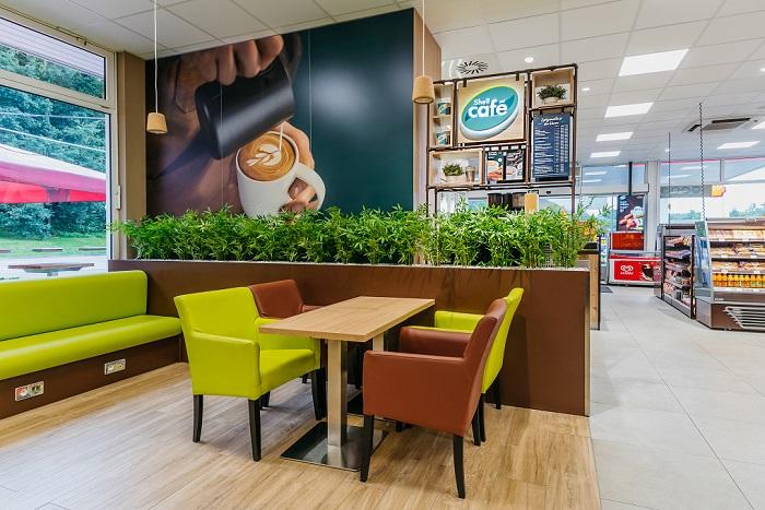 Plnohodnotné kavárny budou na více než polovině sítě, to znamená cca na více než 90 čerpacích stanicích, zdroj: Shell
