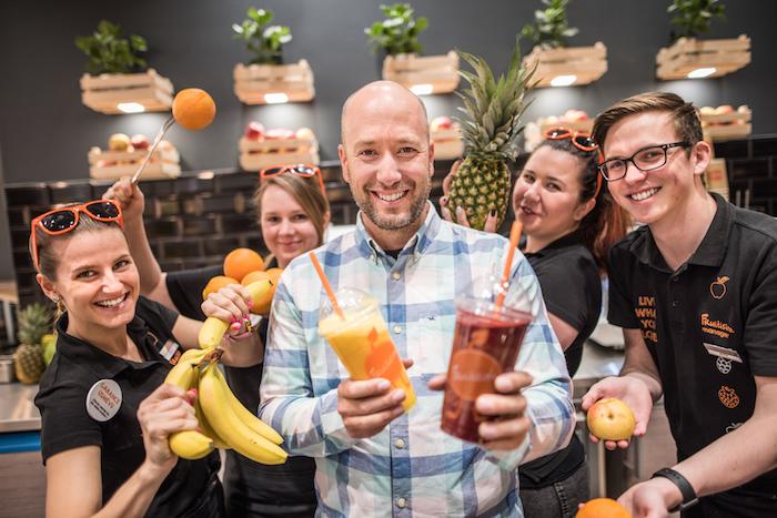 Jan Hummel (uprostřed), jednatel společnosti Fruitisimo, foto: Fruitisimo