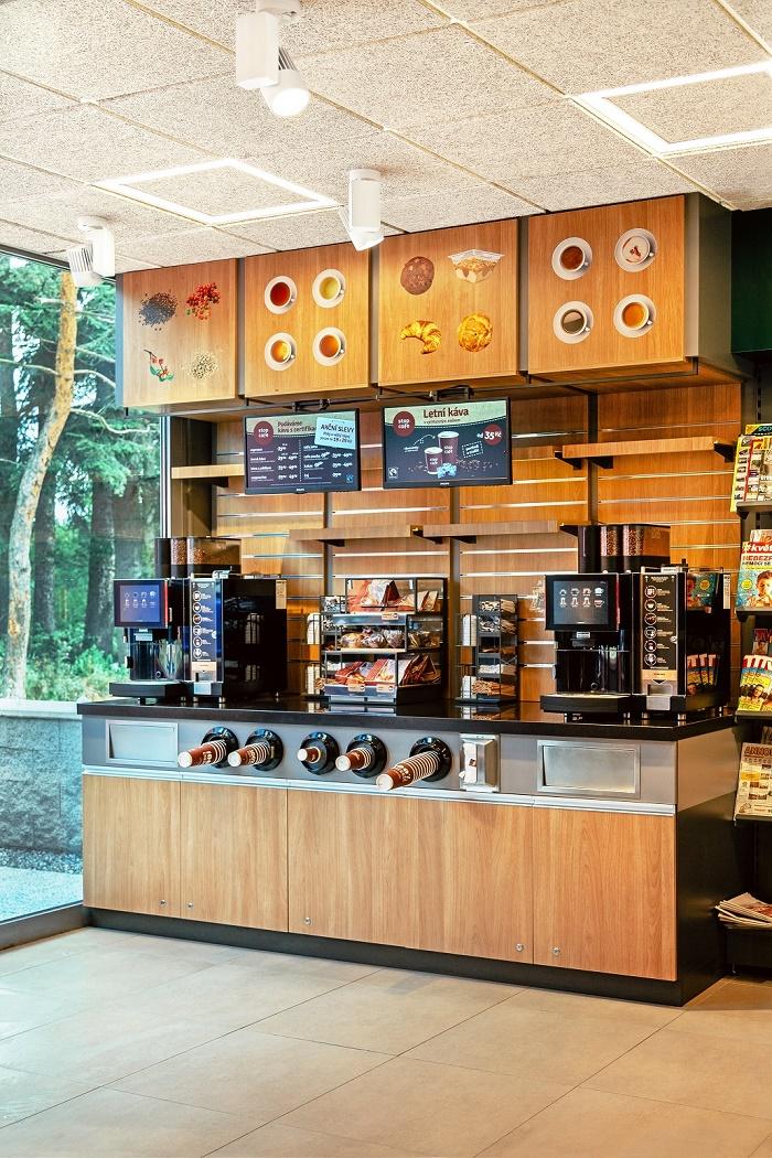 Důležitou roli hraje fairtradová káva, foto: Benzina.