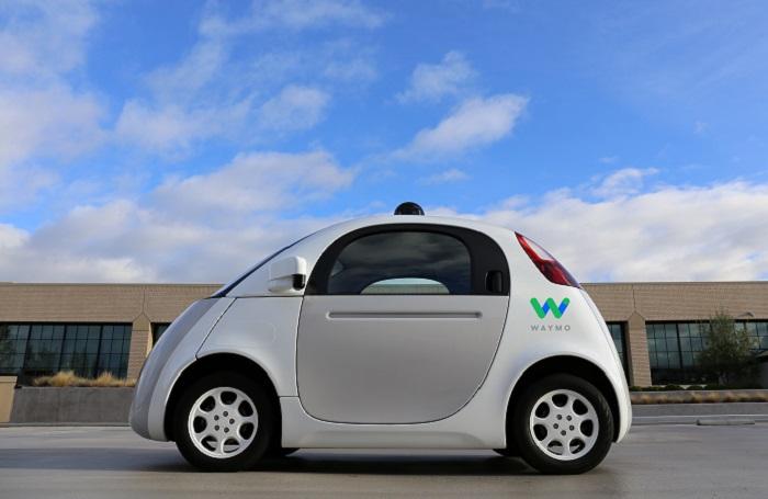 Samořiditelné auto od Waymo (patří pod Google), které se už objevilo v ulicích, foto: Waymo