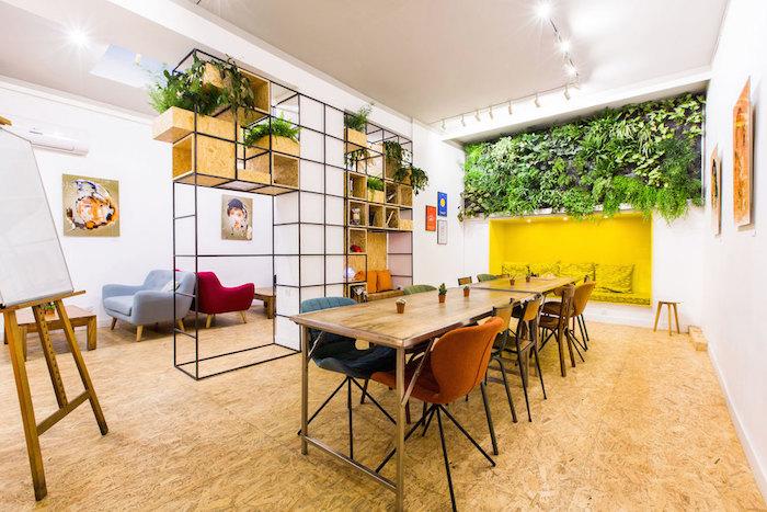 V kavárně Anticafé se platí za čas, nikoliv za obsluhu či občerstvení, foto: FB Anticafé