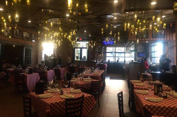 Restaurace Grimaldi's nabízí pizzu s vlastní omáčkou i mozzarellou, foto: FB Grimaldi's.