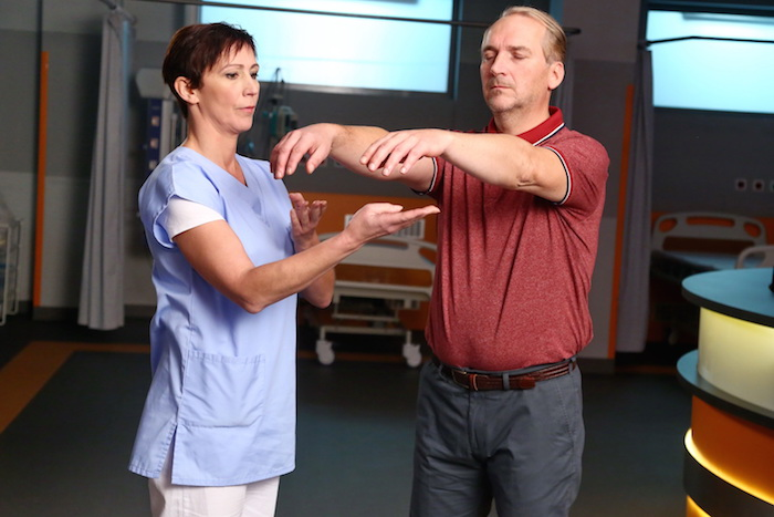 Kristýna Frejová pomáhá při cévní mozkové příhodě, foto: FTV Prima.