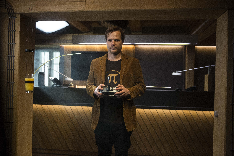 Kryštof Hádek v interiéru svého hotýlku, foto: T-Mobile