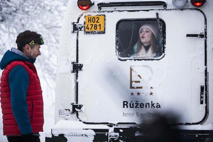 Jiří Langmajer v roli údržbáře a řidiče hotelu Růženka, foto: T-Mobile