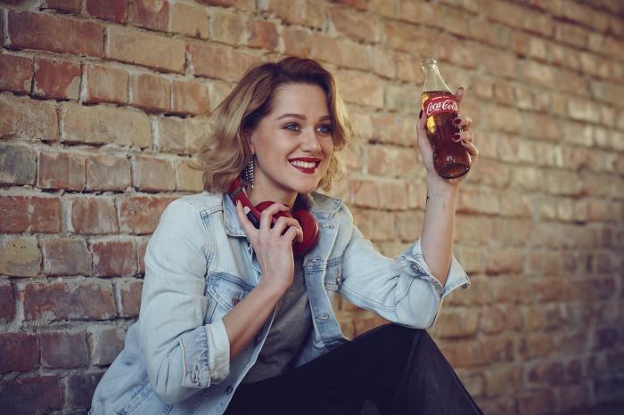 Emma Drobná je tváří nové kampaně značky Coca-Cola, foto: Coca-Cola.