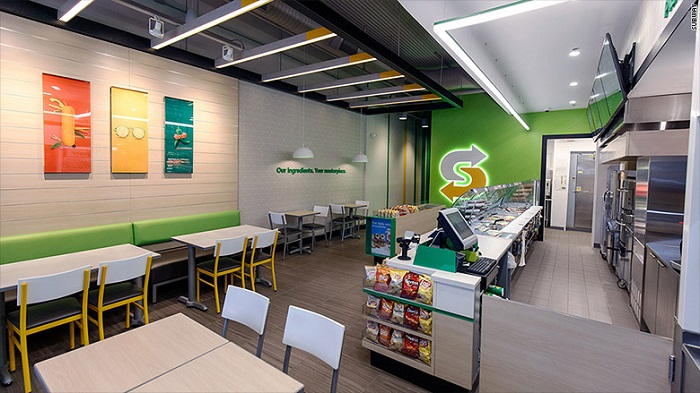 V novém designu je pozornost věnována lepšímu osvětlení, jasnějším barvám i elegantnějšímu nábytku, foto: Subway.