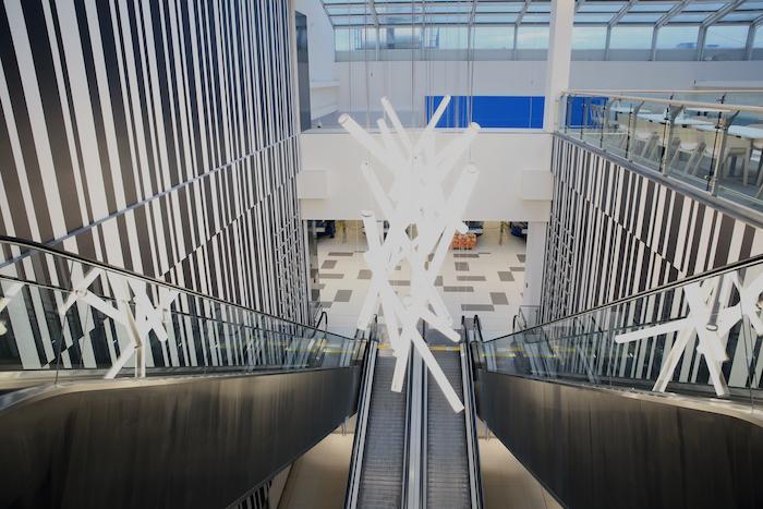 Rekonstrukcí prošly také eskalátory, nové je osvětlení, foto: Galerie Butovice.