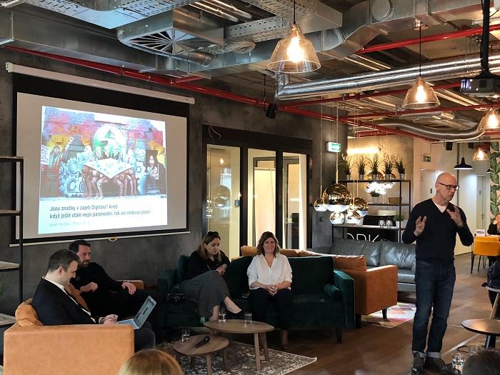 Josef Havelka uvádí první ze série Marketing Breakfast, kterou připravuje ve spolupráci s Internet Info, foto: MediaGuru.cz.