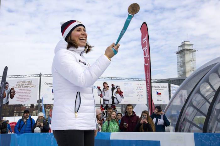 Eva Samková se svou bronzovou medailí z Pchjongčchangu, foto: ČOV