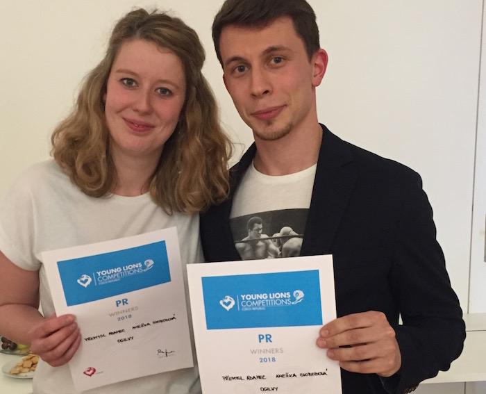 Anežka Svobodová a Přemysl Adamec z Ogilvy získali v kategorii PR na Young Lions první místo, foto: Lionhearted.