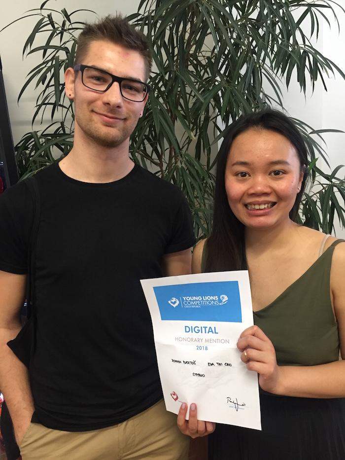 Čestné uznání pro dvojici Romana Bartoše a Evy Thi Cao ze Symbia, foto: Lionhearted