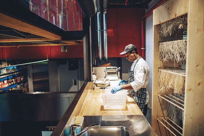 Jedna ze tří kuchyní restaurace Sia, foto: Sia