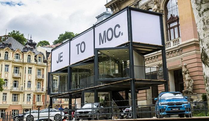 Pohled na loňskou expozici BMW, foto: BMW Group