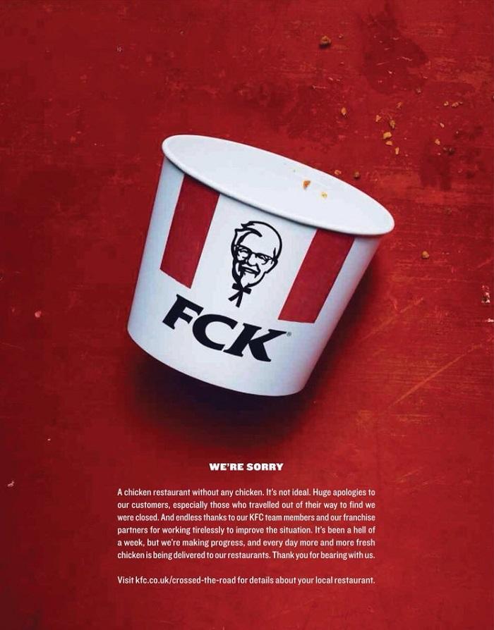 Inzerát značky KFC, v němž se omlouvá za nedostatek kuřat.