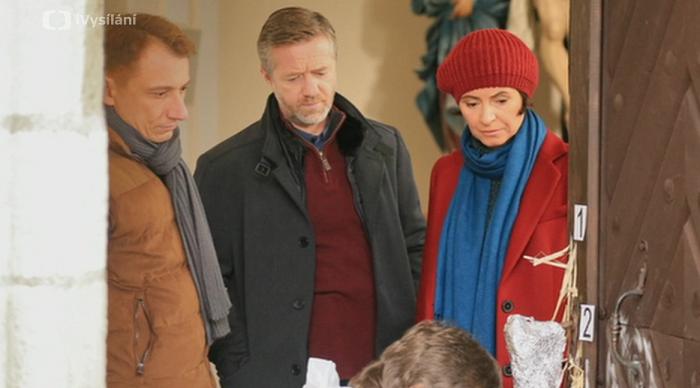 Ve třetí řadě seriálu Labyrint hraje s Jiřím Langmajerem Lenka Vlasáková a Petr Stach, zdroj: ČT