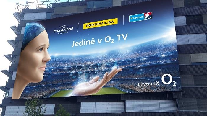 O2 podporuje O2 TV a její fotbalovou nabídku také venkovní reklamou, zdroj: O2.