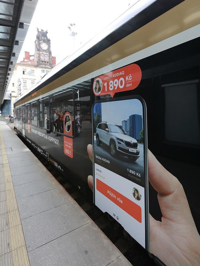 Leo Express polepil veškeré své vlakové soupravy reklamou na HoppyGo, zdroj: Leo Express.