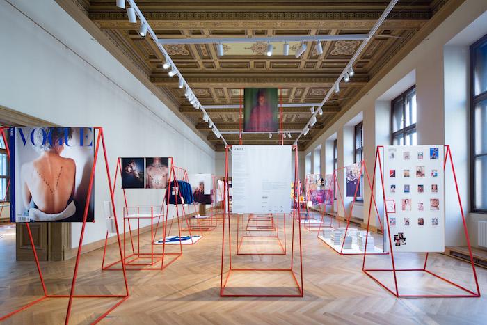 První vydání československé Vogue provází výstava v Uměleckoprůmyslovém muzeu, foto: V24 Media.