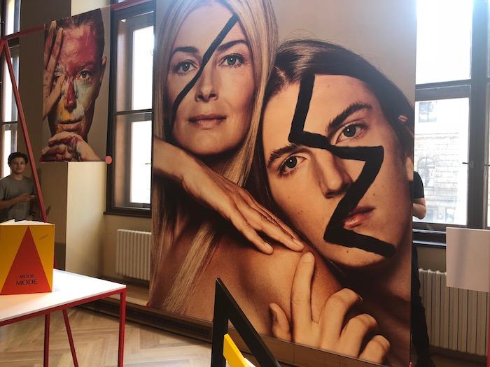 Pro první československou Vogue si Paulina Pořízková a její syn Oliver pohráli s uměleckým odkazem Milana Knížáka, nafotil je Mikael Schulz, foto: MediaGuru.cz.
