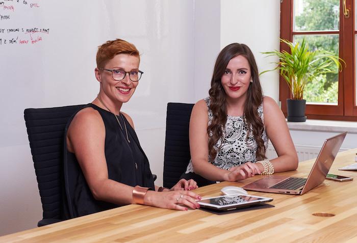 Pro Obsahovou agenturu v Praze bude pracovat Pavlína Dejarnac a Eva Hromádková, foto: Obsahová agentura.