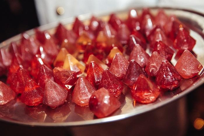 Diamanty se propsaly i do speciální edice koktejlů z molekulární kuchyně, zdroj: Dolcze
