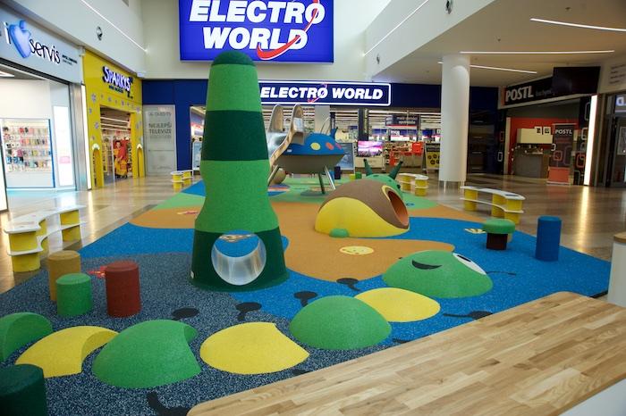 V rámci modernizace vzniklo v interiéru i nové dětské hřiště, zdroj: CPI Property Group.