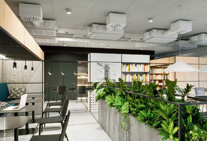 K tiché práci se lze uchýlit do kancelářské knihovny, zdroj: Wiesner-Hager.