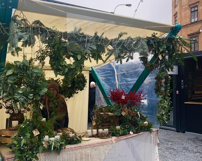 Součástí Manifesta je i vánoční trh, kde se za pět týdnů protočí až 100 prodejců, foto: MediaGuru.cz.