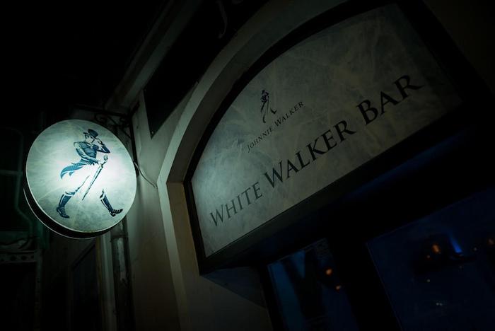 Na Karlínském náměstí v Praze je až do 23. prosince otevřen pop-up bar Johnnie Walker White Walker, zdroj: Stock Plzeň-Božkov.
