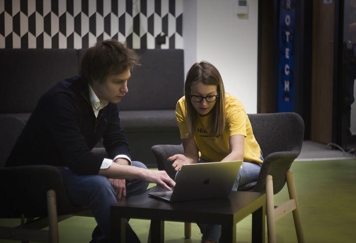 Marketér Marc Delacroix s Janou Šrámkovou, jež má ve Storyous na starosti zahraniční expanzi, zdroj: Storyous.
