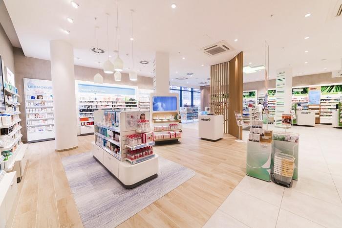 Design interiéru kombinuje pastelové barvy se dřevem, zdroj: Benu.