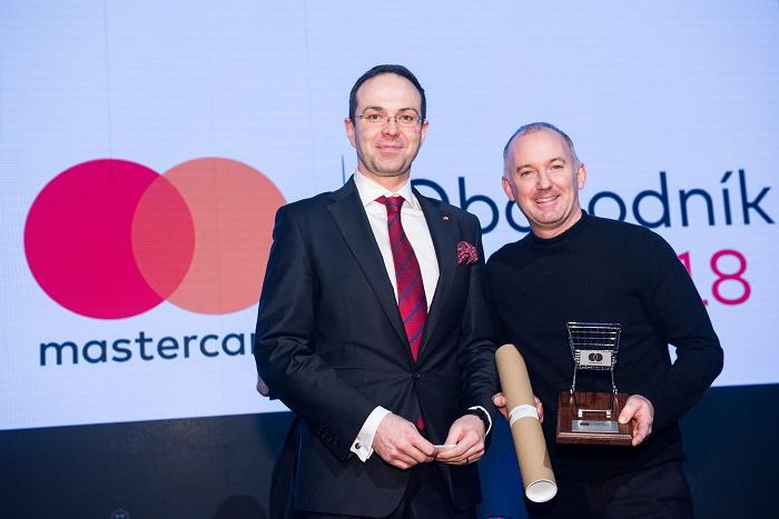 Vítězem kategorie Zákaznický zážitek se stal Manifesto Market (zleva): Miroslav Lukeš (Mastercard), a Martin Barry (Manifesto Market), zdroj: Mastercard