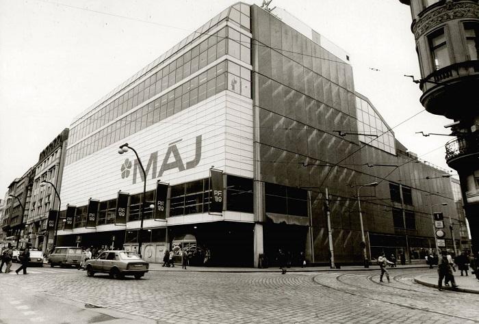Obchodní dům Máj byl otevřen v roce 1975, Tesco v něm působí od roku 1996, zdroj: FB Mystores.