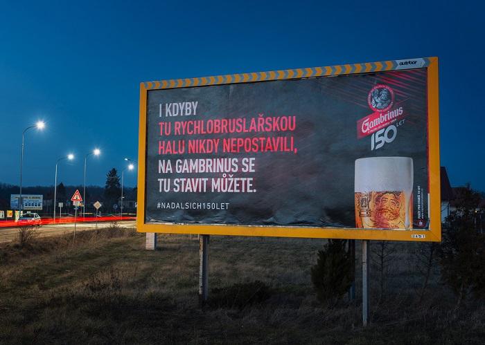 Venkovní reklama piva Gambrinus ve Velkém Oseku, zdroj: Triad Advertising