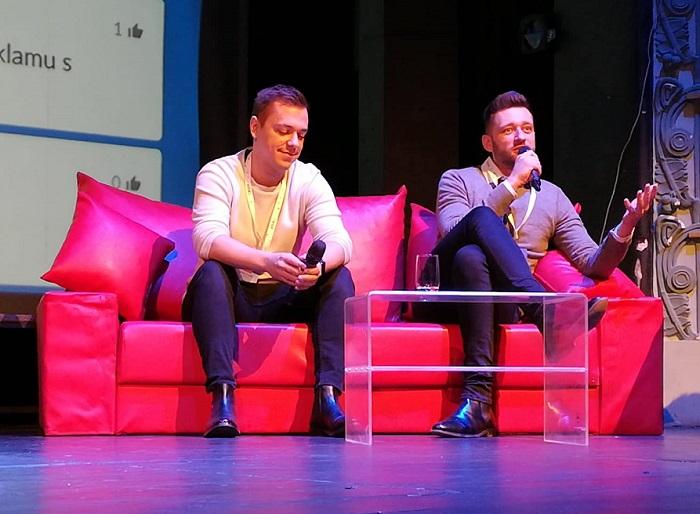 Vilém Franěk, který má v Mall.TV na starosti sociální média a digitální obsah (vlevo) a Juraj Felix, výkonný ředitel internetové televize. Foto: MediaGuru
