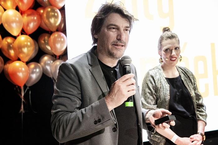 Zlatý ohníček za celoživotní přínos kreativnímu průmyslu si převzal Dejan Štajnberger z VCCP, foto: Zuzka Bönisch.