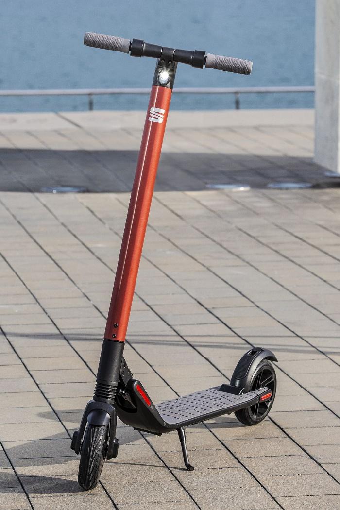 Elektrokoloběžka eXS KickScooter, zdroj: SEAT