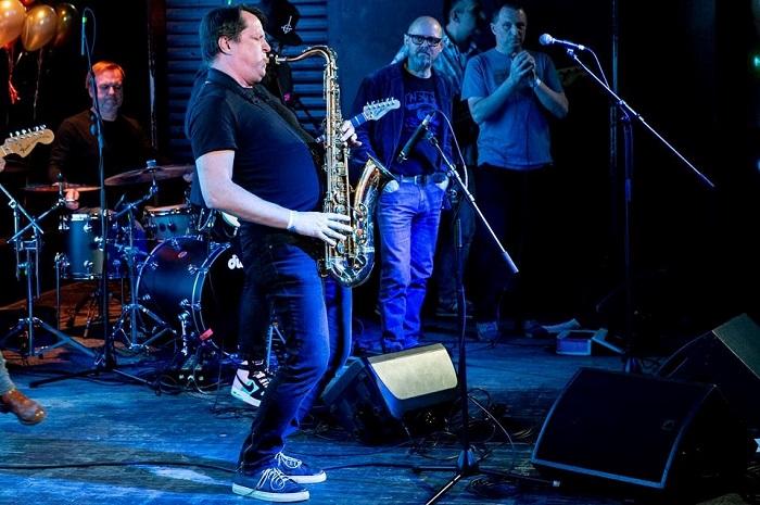 Na saxofon zahrál Tomáš Belko, kreativní ředitel agentury Ogilvy a také člen známé skupiny Sto zvířat, foto: Zuzka Bönisch.