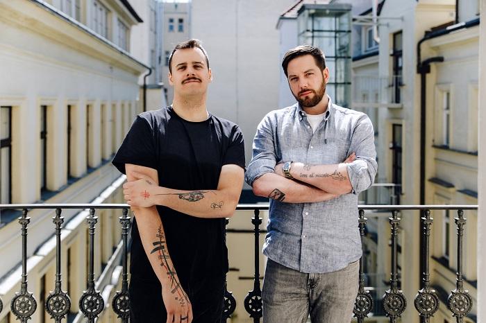 Tomáš Veselý (vlevo) a Miky Karas, zdroj: Scholz & Friends