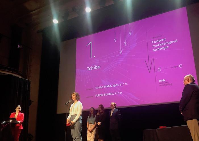 Jednu ze dvou zlatých ocenění v kategorii Content marketingová strategie přebírá agentura Follow Bubble, foto: MediaGuru.cz.