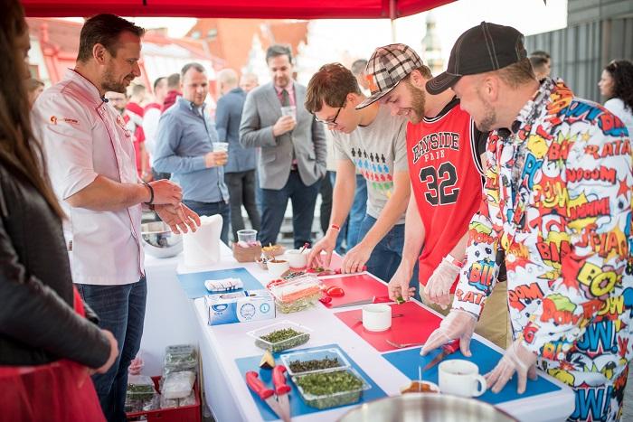 Party probíhala nejen v uzavřeném střešním prostoru, ale i na venkovní terase, foto: Seznam.cz