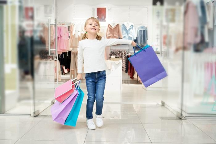 73 % Čechů navštíví obchodní centrum alespoň jednou za měsíc a 35 % dokonce jednou týdně nebo častěji, zdroj: Incomind/GFK.