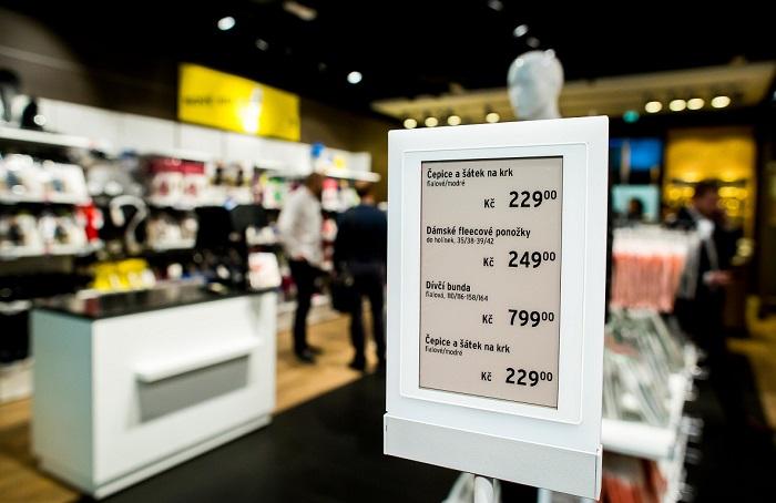 Tchibo má elektronické cenovky od roku 2017 v celkem 54 obchodech v ČR a na Slovensku. zdroj: Tchibo