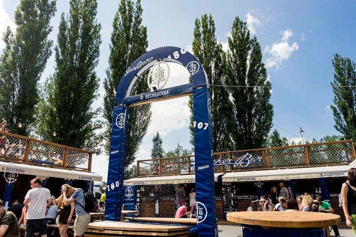 Becher Zone na loňském festivalu Colours of Ostrava, zdroj: Becherovka Pernod-Ricard